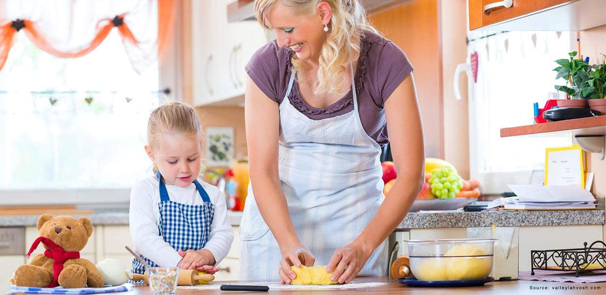 Fun Christmas Treats To Bake With Your Children